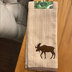 NWT. Kitchen/bath hand towel. Not my style